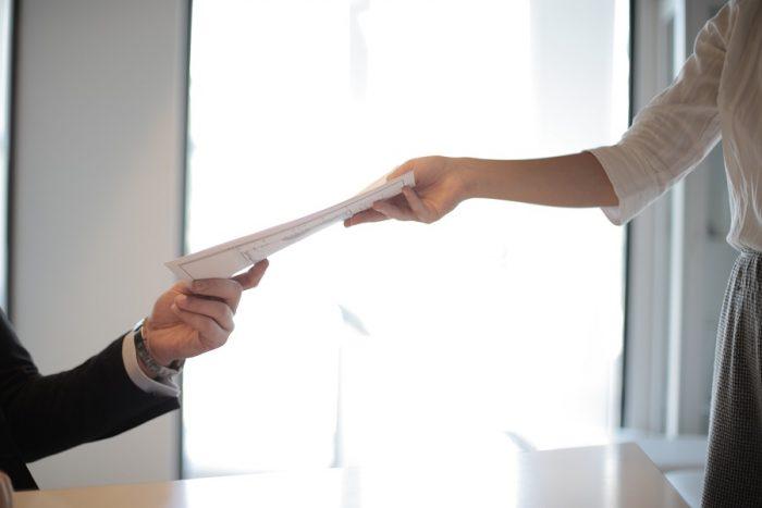 """Alt=Licencier un salarié pour abandon de poste : la procédure"""""""